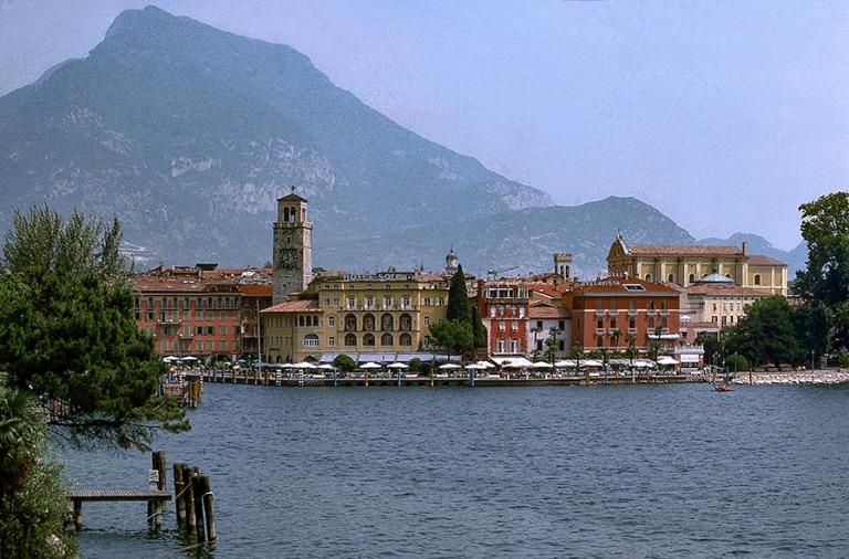 IT140938 Italia Riva Gardajärven pohjukassa 1993