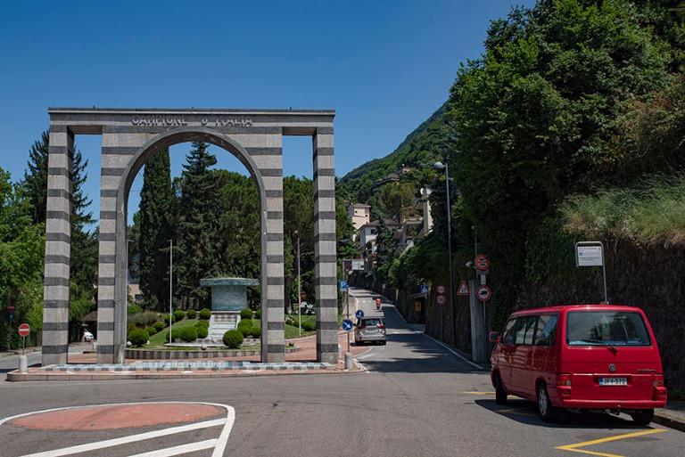 IT_190707 Italia_0018 Campione d'Italian enklaavi Sveitsin sis
