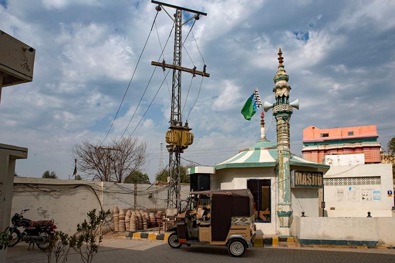 PK_200125 Pakistan_0181 Huoltoasemamoskeija Sehwanissa Sindhin p