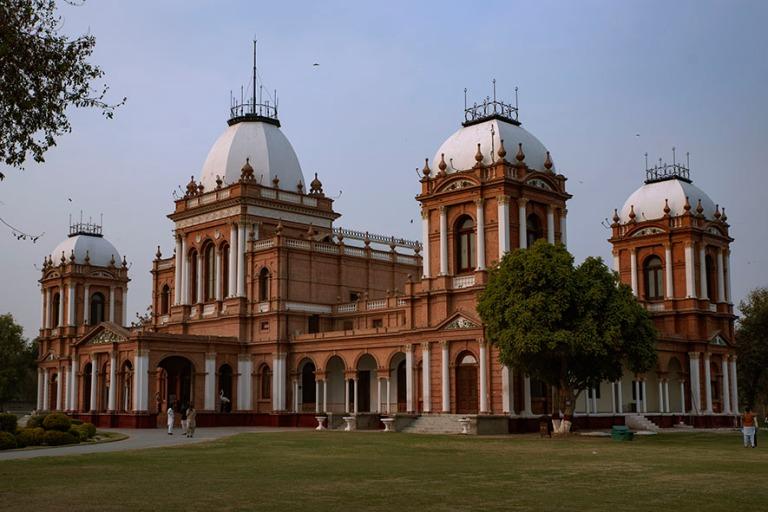 PK_200127 Pakistan_0216 Noor Mahalin palatsi Bahawalpurinssa Pun