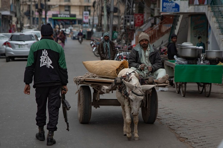 PK_200128 Pakistan_0305 Turvattua kaupunkikävelyä Multanissa P