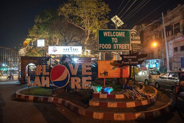 PK_200130 Pakistan_0708 Lahore Fort Food street Punjabissa