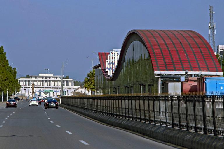 PK_200201 Pakistan_0356 Islamabadin Jinnah Ave 7th Avenuen metro