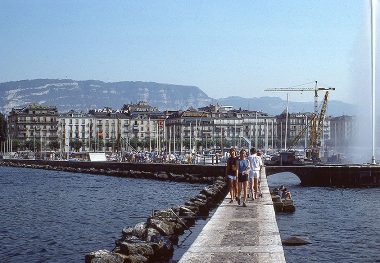 CH017717 Sveitsi Geneve ja Genevenjärvi 1983