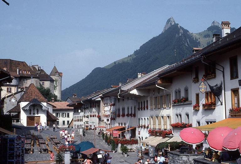 CH017810 Sveitsi Gruyèresin keskustaa Fribourgin kantonissa 198