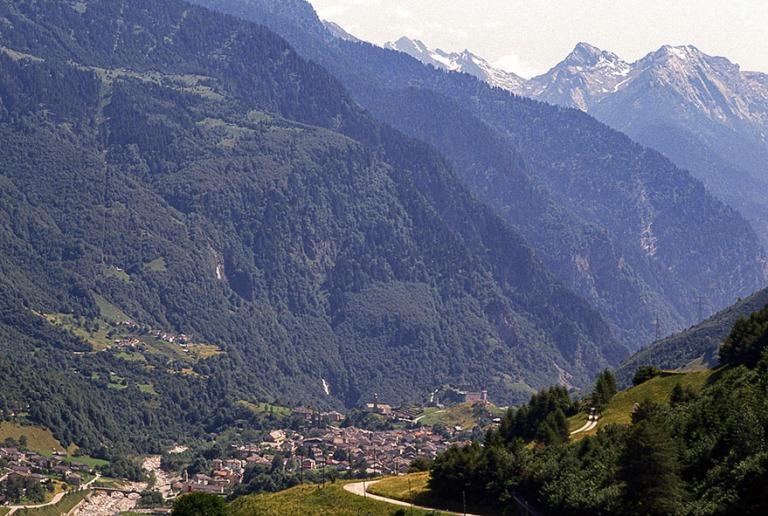 CH052716 Sveitsi Alppimaisemaa San Bernardinon lähellä Graubü