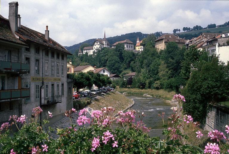 CH112014 Sveitsi Moudon Vaudin kantonissa 1992
