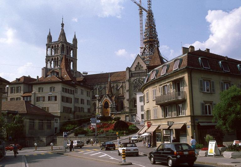 CH112108 Sveitsi Lausannen katedraali Vaudin kantonissa 1992