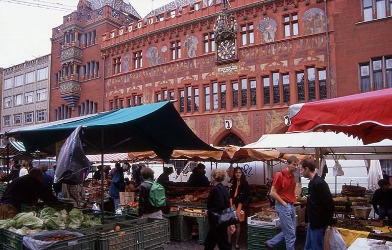 CH280613 Sveitsi Baselin Marktplatz ja raatihuone 1997