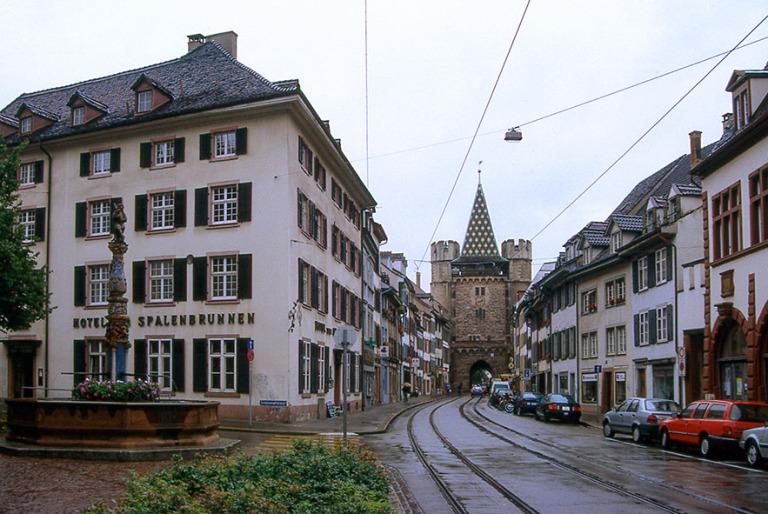 CH280719 Sveitsi Baselin Spalenvorstadt Spalenbrunnenilta Spalen