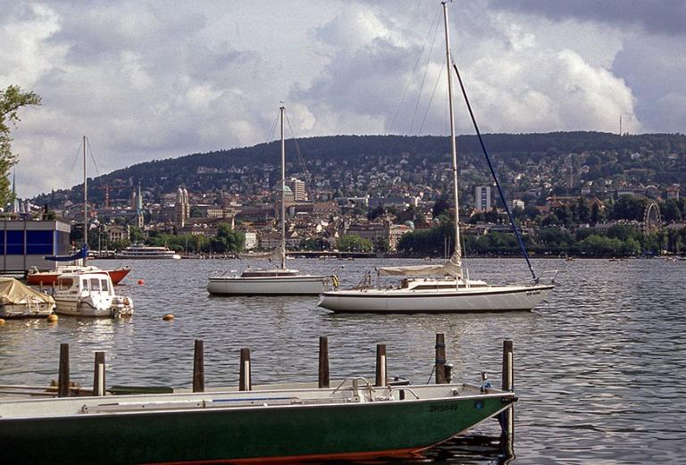 CH280730 Sveitsi Zürichinjärvi keskustaan 1997