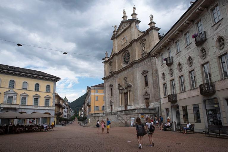 CH_190707 Sveitsi_0144 Bellinzonan Chiesa collegiata dei Santi P