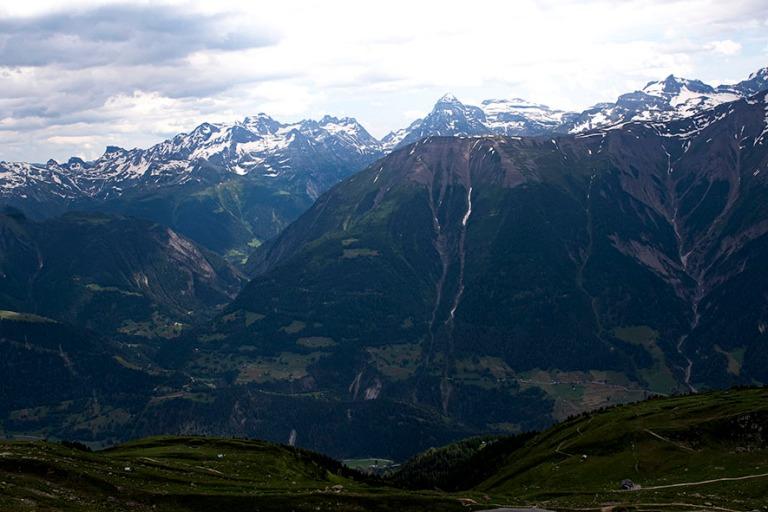 CH_190708 Sveitsi_0257 Alppimaisemaa Bettmerhornista Matterhornille Valais´ssa_u