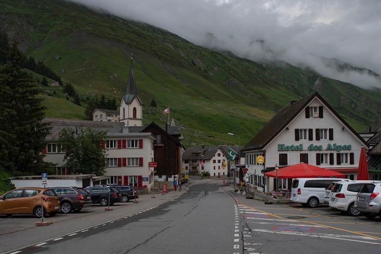 CH_190708 Sveitsi_0385 Realpin alppikylä Urin kantonissa