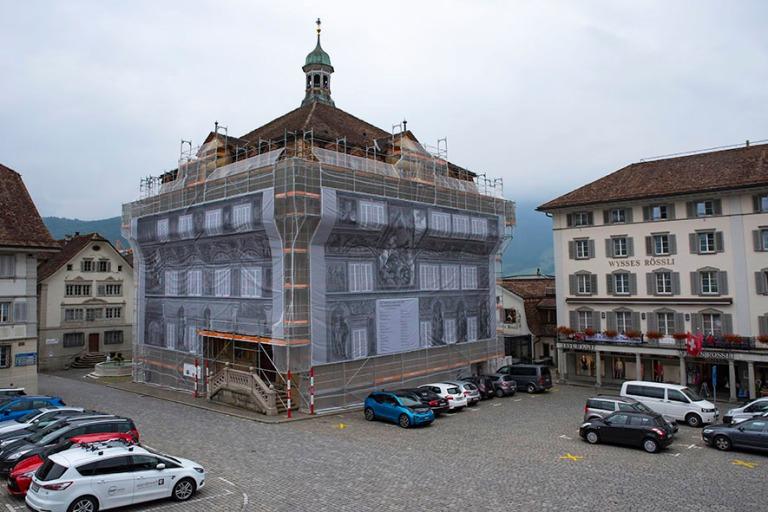 CH_190709 Sveitsi_0085 Schwyzin kaupungin raatihuone tellingeiss