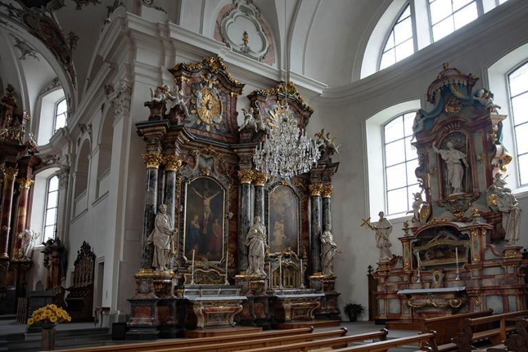CH_190709 Sveitsi_0100 Schwyzin kaupungin Pyhän Martinin katoli