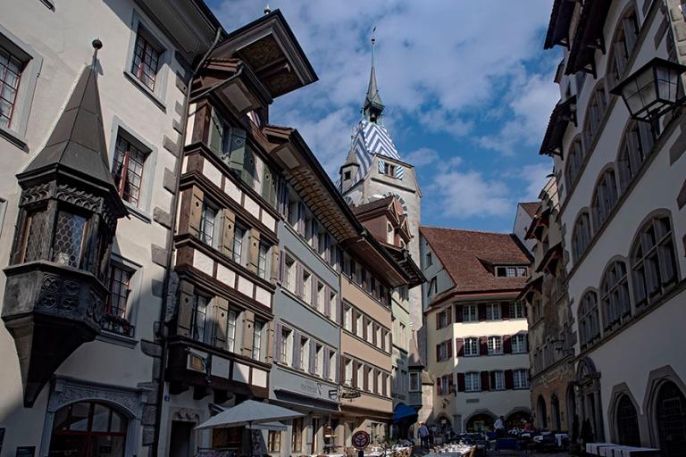 CH_190709 Sveitsi_0198 Zugin kaupungin Fischmarkt