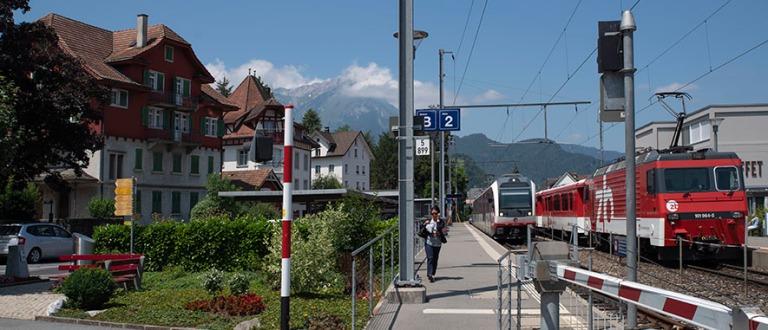 CH_190710 Sveitsi_0039 Stansin rautatieasema Nidwaldenin kantoni