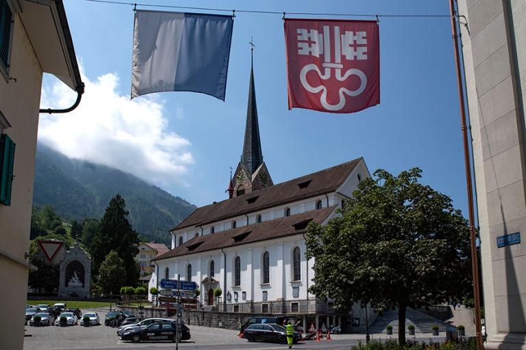 CH_190710 Sveitsi_0045 Stansin Pyhän Pietarin ja Paavalin kirkk