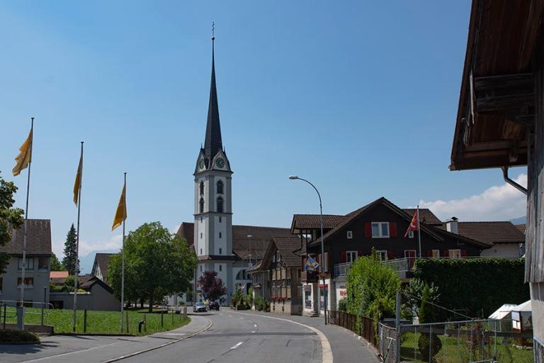 CH_190710 Sveitsi_0088 Kernsin keskustaa Obwaldenin kantonissa