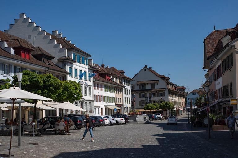 CH_190710 Sveitsi_0167 Surseen Rathausplatz Luzernin kantonissa
