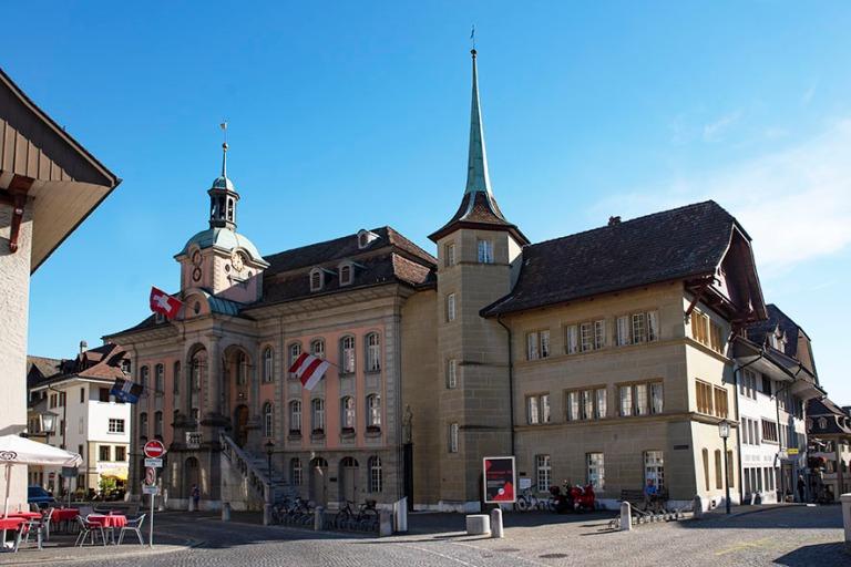 CH_190710 Sveitsi_0234 Zofingenin raatihuone  Aargaun kantonissa