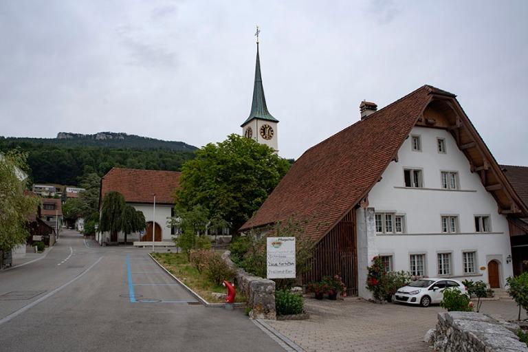 CH_190711 Sveitsi_0074 Oensingenin kylä Solothurnin kantonissa