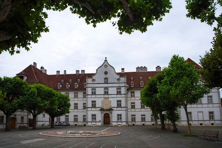 CH_190711 Sveitsi_0146 Delémontin Prinssipiispojen palatsi Jura