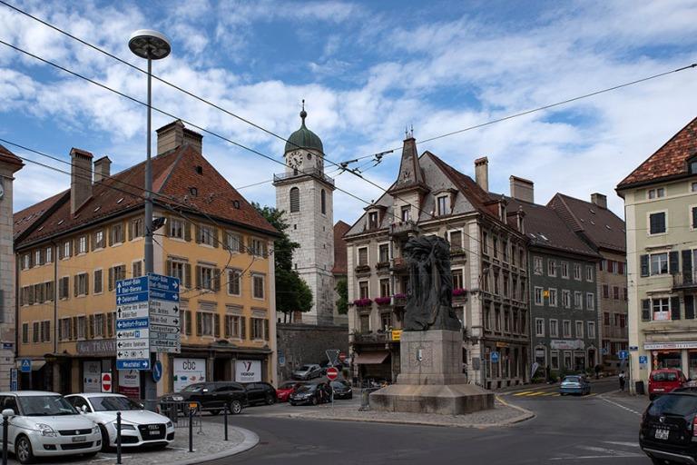 CH_190711 Sveitsi_0315 Chaux-de-Fondsin Place de L´Hotel-de-Vil