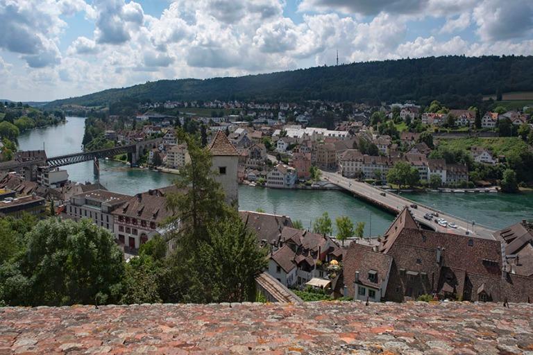 CH_190714 Sveitsi_0077 Schaffhausenin panraamaa Munot-linnoituks