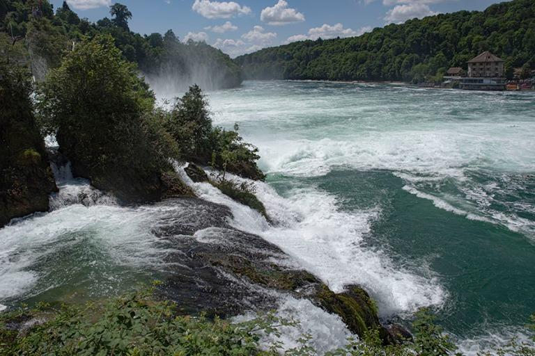 CH_190714 Sveitsi_0216 Reinin putoukset Neuhausen am Rheinfallis