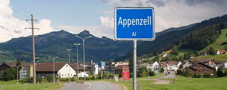 CH_190714 Sveitsi_0299 Appenzellin kaupungin nimikyltti Appenzel