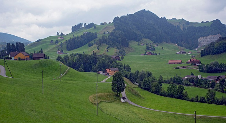 CH_190715 Sveitsi_0052 Appenzell Innerrhodenin maisemaa