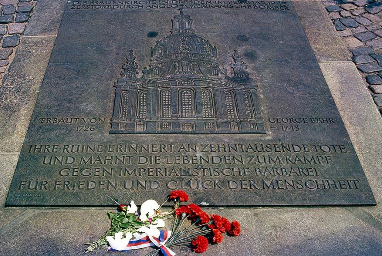 DE028322 Saksa Dresdenin Frauenkirchen muistolaatta DDRssa 1986