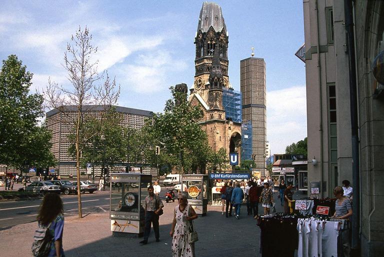 DE230436 Saksa Berliinin Kaiser Wilhelm Gedächtniskirche 1996