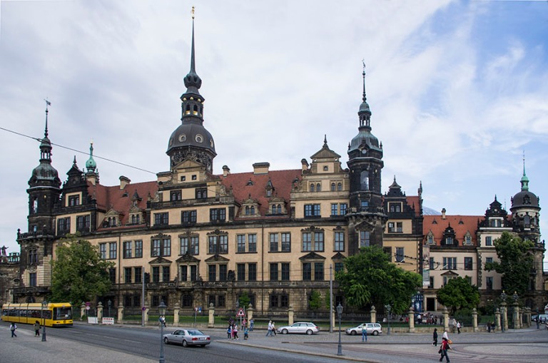 DE_110717 268 Saksa Dresdenin entisöity linna