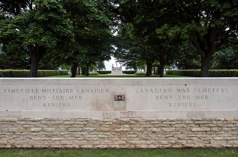 FR_120626 111 Ranska Canadian War Cemetery Beny-sur-Mer Reviersi