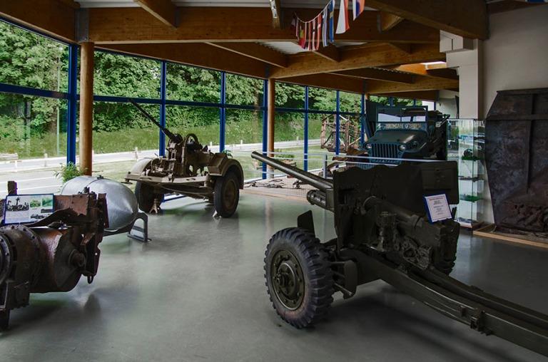 FR_120626 178 Ranska Normandian maihinnousun museo Omaha Beachis