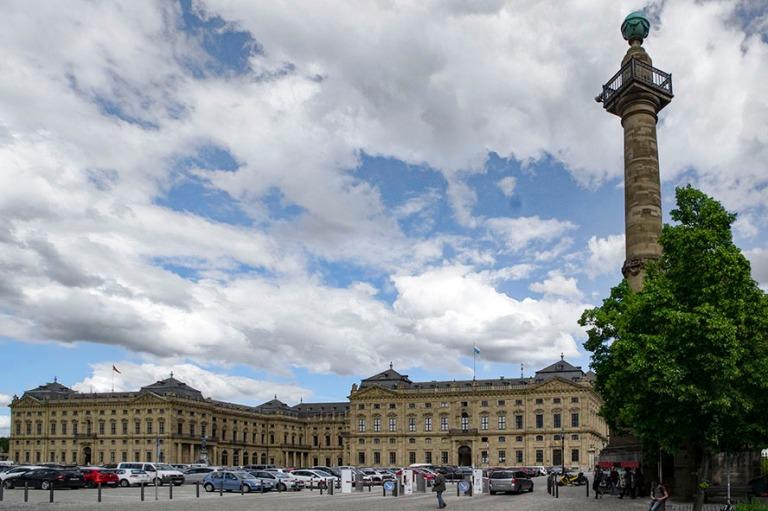DE_160531 Saksa_0056 Würzburger Residenz Residenzplatzilta Baij