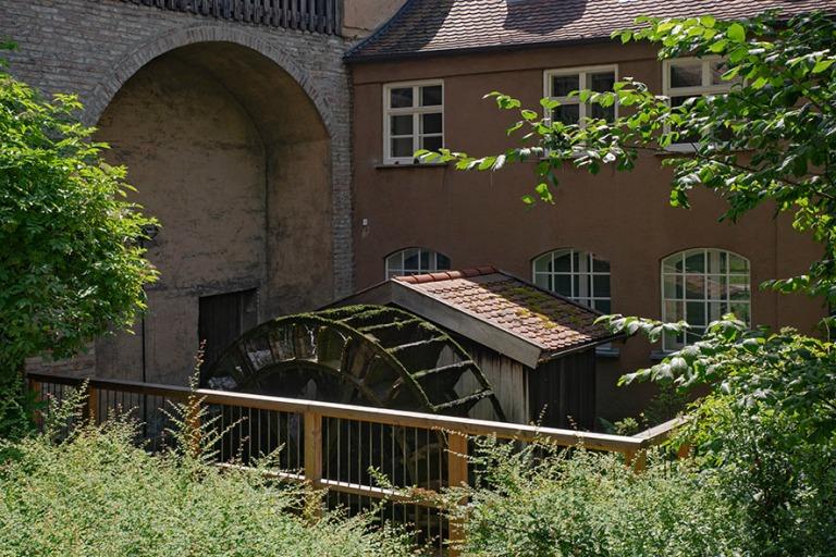 DE_190716 Saksa_0155 Vesiratas Augsburgin kanavassa Baijerissa