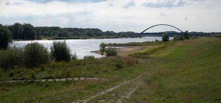 DE_190719 Saksa_0130 Entinen Saksojen välinen rajajoki Elbe Dö
